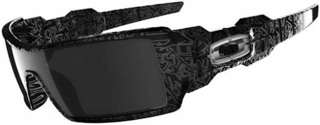 Oakley Oil Rig Sunglasses - Polished Black Text / Black Iridium