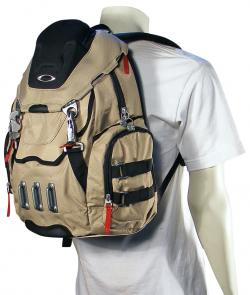 Oakley Bathroom Sink Backpack - New Khaki