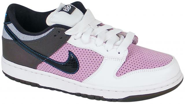 Nike 6.0 Women's Dunk Low Shoe - White / Black / Violet
