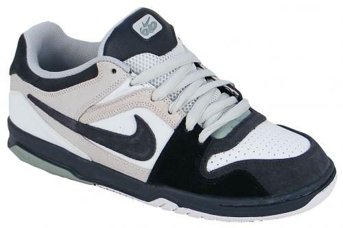 Nike 6.0 Air Zoom Oncore Shoe - Summit White / Black / Dusty Sage