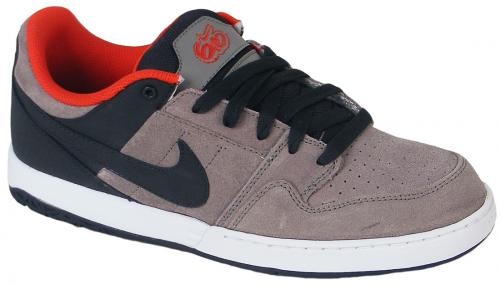 Nike 6.0 Zoom Mogan Shoe - Light Charcoal / Sport Red